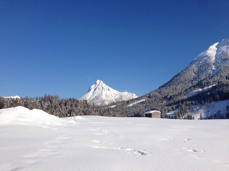 Ausblick vom Tuxerhof in Achenkirch am Achensee Richtung Guffert im Winter