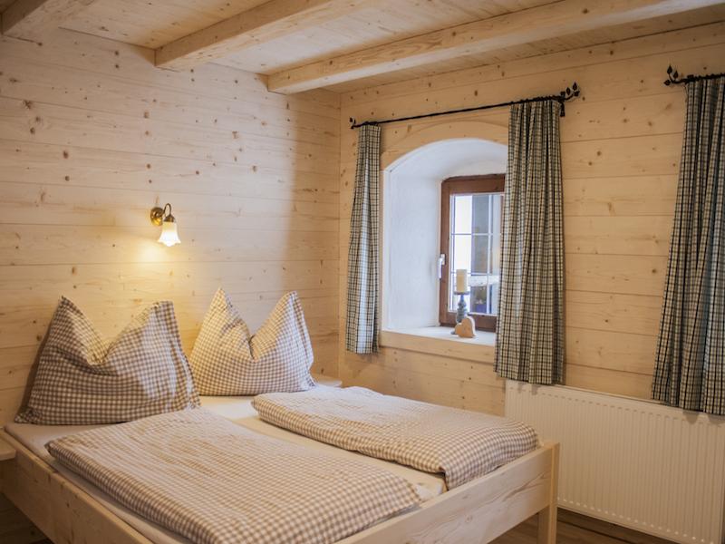Helles, geräumiges 3-Bett-Zimmer im Erdgeschoß des Selbstversorgerhauses Tuxerhof in Achenkirch am Achensee